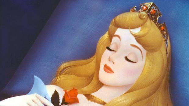 Según la historia de la Bella Durmiente, cuando el príncipe llega, ¿cuántos años han pasado?