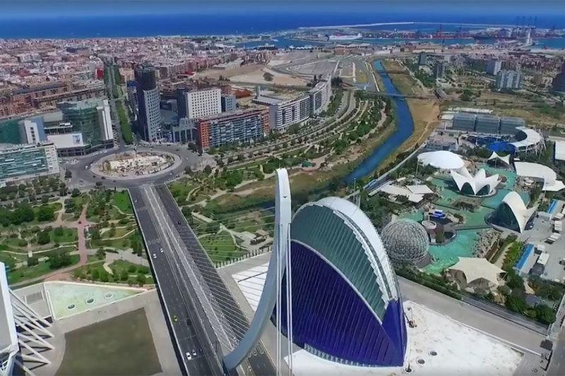 Una fácil, ¿qué río fluye junto a la ciudad?