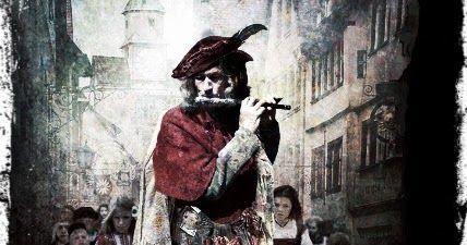 El flautista de Hamelin, ¿qué hace el flautista cuando los aldeanos se niegan a pagarle por sus servicios?