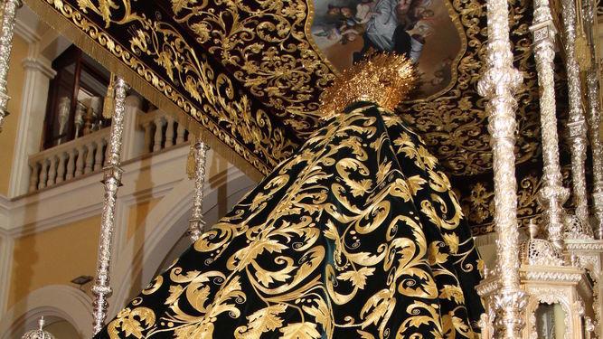 ¿Estás de acuerdo con que muchos pasos de Semana Santa estén cubiertos de oro y/o plata, lleven mantos bordados, coronas, etc.?