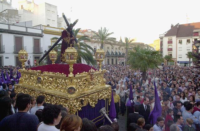 ¿Si de ti dependiera, quitarías la Semana Santa como celebración religiosa en las calles?