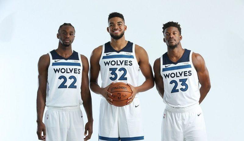 ¿Cómo se llama el pabellón de los Wolves?