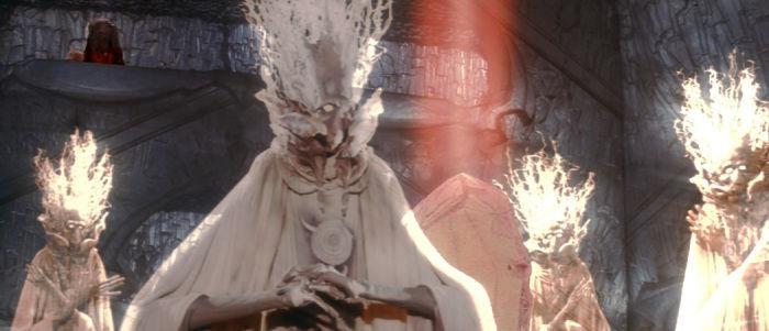 Al final, la maldad desaparece, el cristal vuelve a ser el cristal de la vida, pero ¿Qué ocurre con el castillo y Kira?
