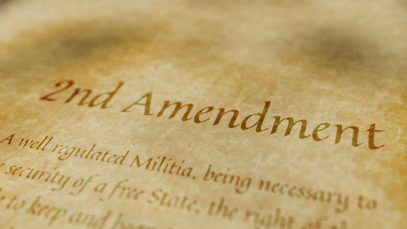 ¿Cuál de estos no es un derecho o libertad recogido en la primera enmienda?