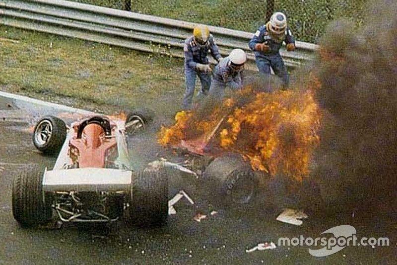 Volviendo a la historia, ¿dónde se produjo el famoso accidente de Lauda que lo dejo inhabilitado debido a las quemaduras?