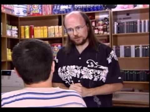 ¿Con qué apodo se le conoce a Santiago Segura en su cameo en la serie?