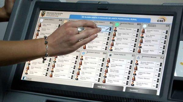 ¿Debería considerarse el voto electrónico?
