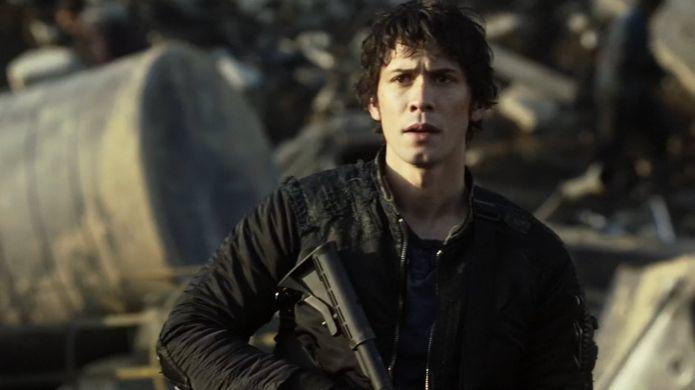 ¿A quién dispara Bellamy justo antes de subir al transbordador?