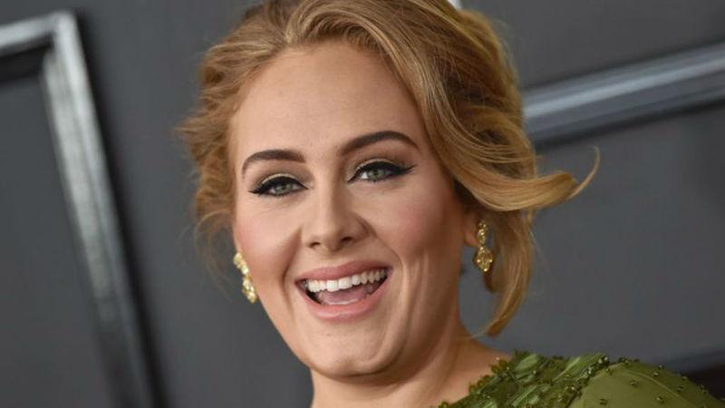 """Adele: """"Cuando estoy a punto de comer carne, siempre veo los pequeños ojos de _______ ."""""""