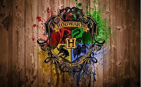 ¿Cómo se llaman los cuatro fundadores de Hogwarts?