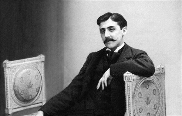 ¿Cuál es el principal motor de recuerdo de Marcel Proust en su obra