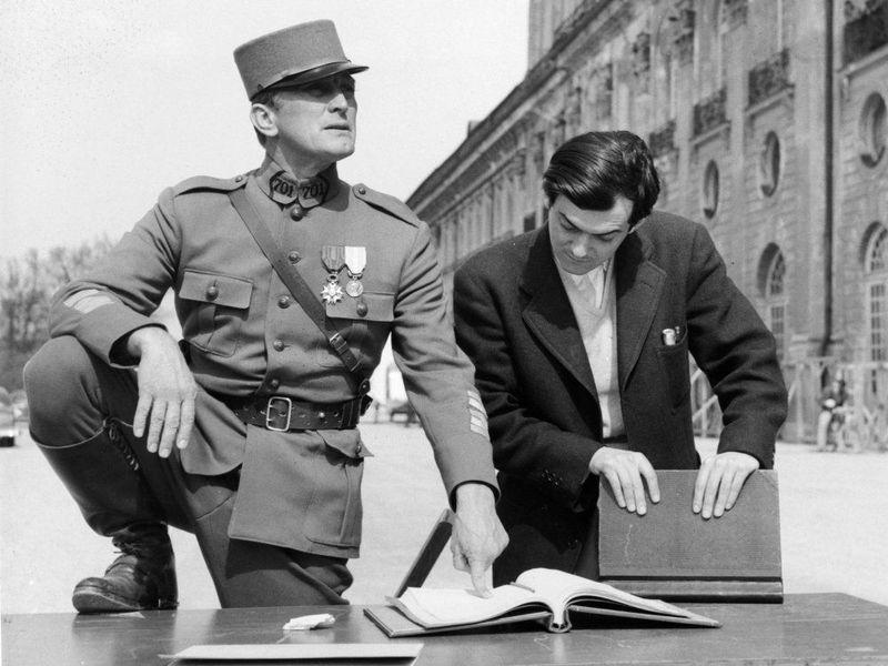 ¿Qué película dirigida en 1957 hizo que Kubrick entrara en el rango de grandes directores?