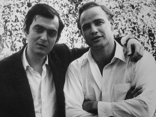 ¿Con qué actor Kubrick tuvo una mala relación y por ende fue despedido durante el rodaje de una película?