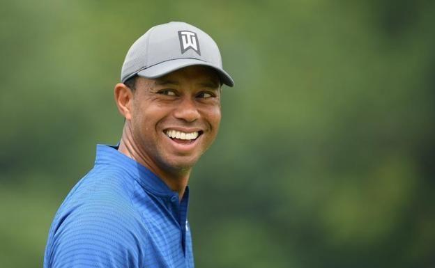 ¿Qué edad tenía el famoso golfista Tiger Woods cuando hizo su primer hoyo en uno?