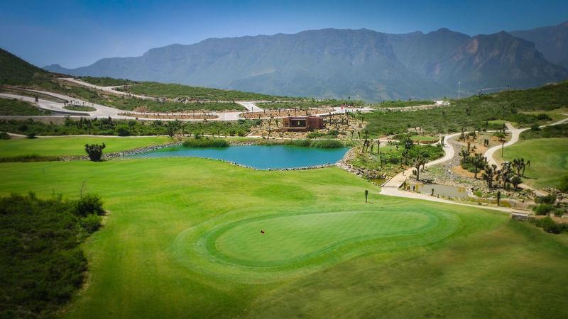 ¿Cuál es el campo de golf más largo del mundo?