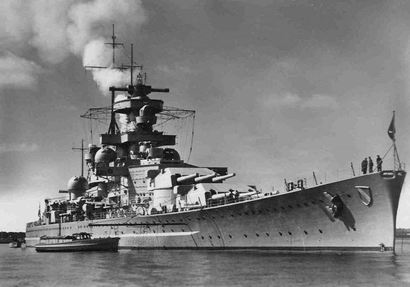 ¿Qué acorazados usó Alemania como corsarios en el Atlántico?