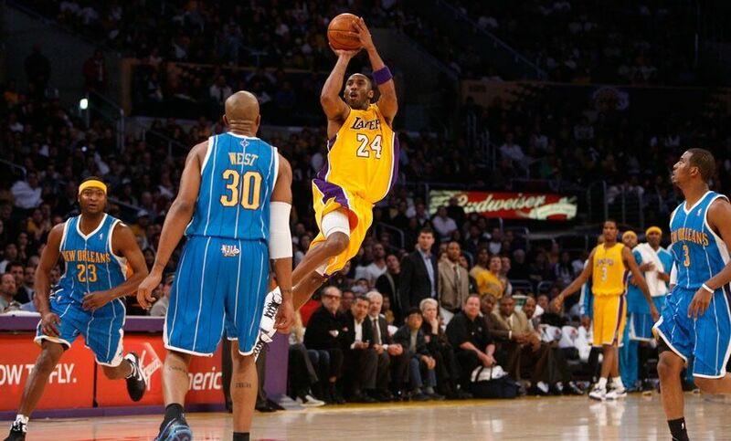 En 2005 Donyell Marshall igualó el récord de Kobe Bryant de 12 triples en 1 partido. ¿En qué equipo jugaba por aquel entonces?