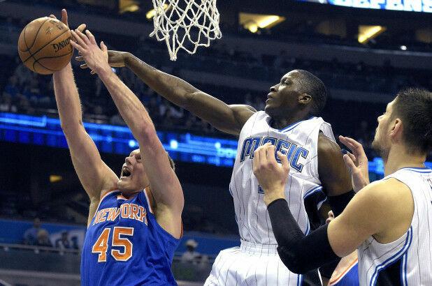 En 2015 Orlando y Knicks superaron el récord de menos puntos conjuntados en un cuarto. ¿Cuantos puntos anotaron en total?