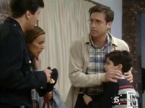 ¿Recuerdas por qué Chechu aparecía junto a la policía en esta escena?