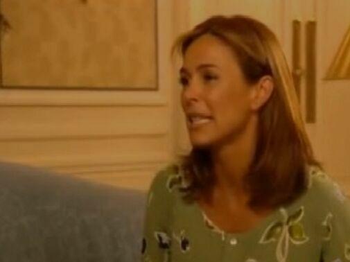 ¿A qué famoso cantante le hizo una entrevista Alicia justo antes de dar a luz en un ascensor?