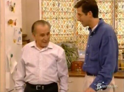 ¿Con quiénes se fue a vivir el Sr. Manolo una temporada?