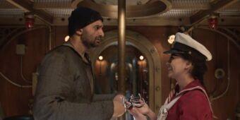 ¿Qué relación tienen Fiona y el hombre con ganchos en vez de manos?