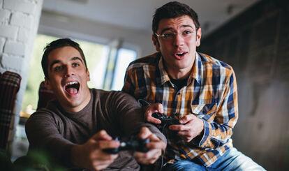 Mientras juegan tus amigos, ¿qué haces?