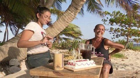 Es tu cumpleaños y la organización te ha regalado una tarta para celebrarlo, te dan la opción de compartirla o no, ¿qué harías?